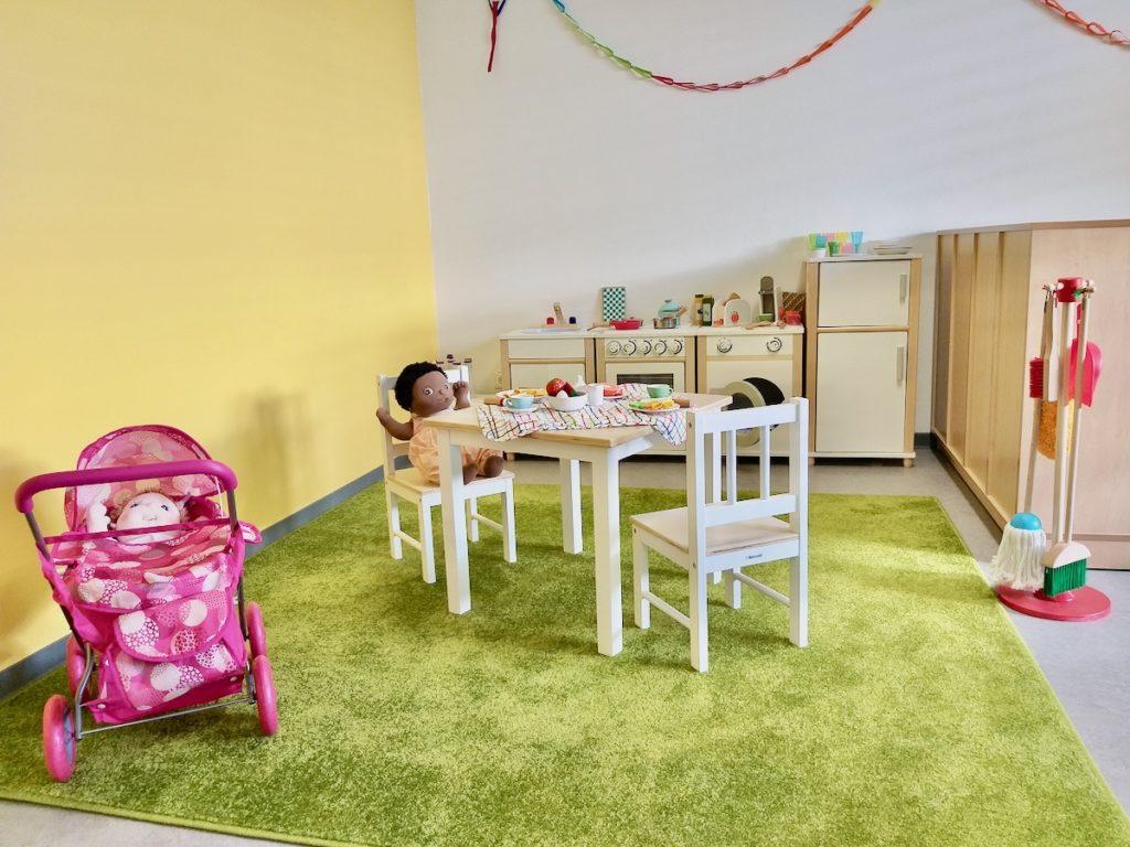 Rollenspielbereich im Hundertwasserzimmer Kita Kaisergärten